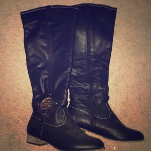 Black and gold boots